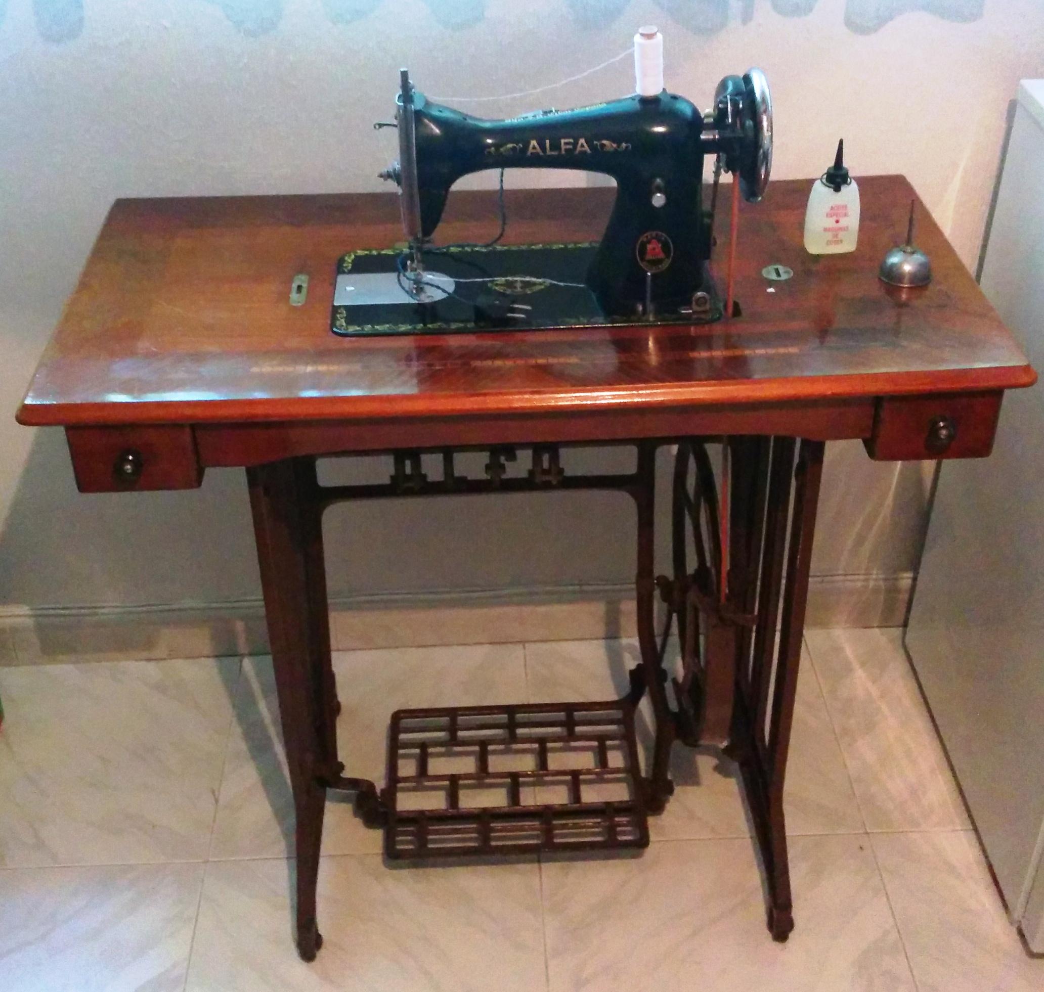 Maquina de coser buscar: Maquinas de coser antiguas alfa