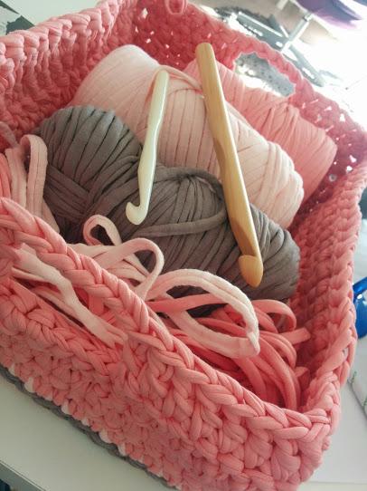 Crochet Cesta Cuadrada De Trapillo Con Dos Asas