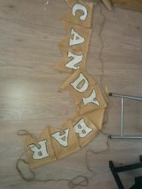 Banderines caseros de arpillera