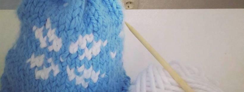 Patrón gorro jacquard tejer dos colores dos agujas punto derecho y del revés